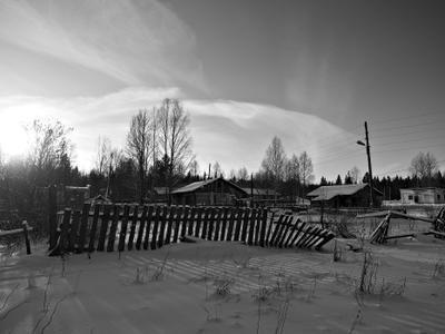 поселок Таежный зима снег облака деревья деревня поселок солнце