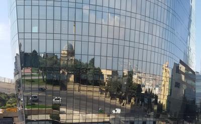 Отражение города (Баку) Отражение город Баку Пламенные Башни Flame towers