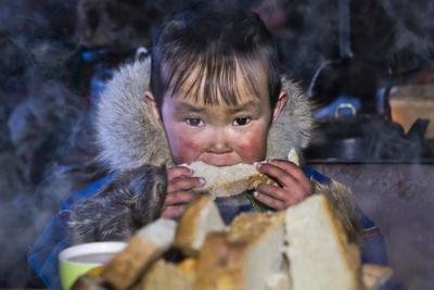 Вкусный хлеб ямал, чум, север, ненцы