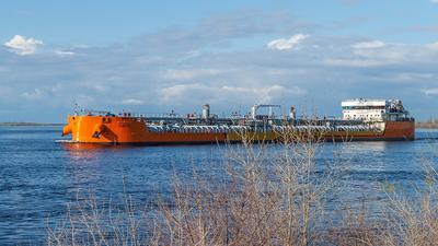 ЛОЯЛТИ Танкер ЛОЯЛТИ Танкер-продуктовоз Баржа Нефтеналивной танкер Волга Волгонефть Нефтеналивное судно Река-море Навигация 2021 река