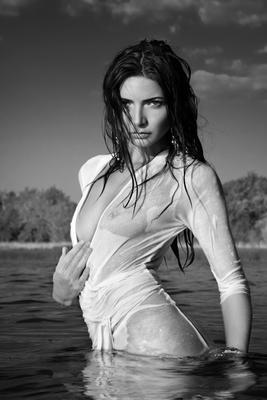 *** фото ч б модель лето девушка река гламур