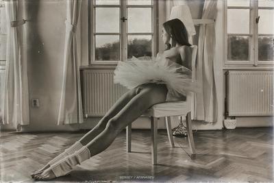 Пять минут отдыха... балерина гимнастка девочка ню эротика обнаженная голая танцы