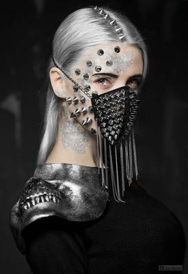 Молчание не вечно. маска шипы девушка портрет арт