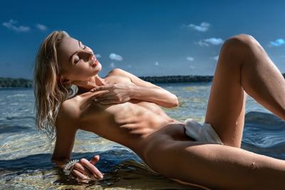 Анжелика девушка озеро