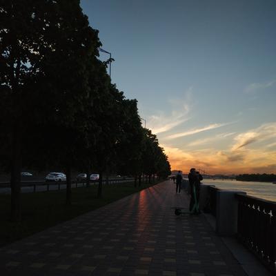 Лучики вечернего солнца Вечер пейзаж закат набережная дорога