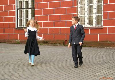 школа_привет_скрестив пальцы привет скрестив пальцы стена  школа