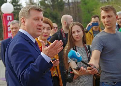 Мэр отвечает Мэр Интервью Журналисты Локоть Новосибирск