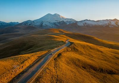 Дорога зовёт! Кавказ Джилу Су Эльбрус Кавказский хребет осень путешествие горы горное дорога туризм Национальный парк Приэльбрусье закат