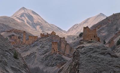 Город в горах Брошенный город горы Чечня развалины