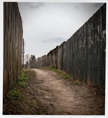 *** дорога забор суздаль столб