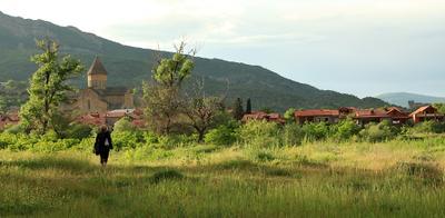 Мцхета- путь к храму ... путешествия,Грузия,природа,пейзаж,храм.