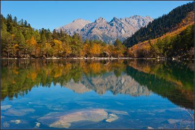 Третье Бадукское озеро с западного берега. Жосс Бомон Бадукские озёра Домбай