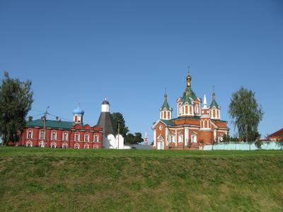 *Женский монастырь*