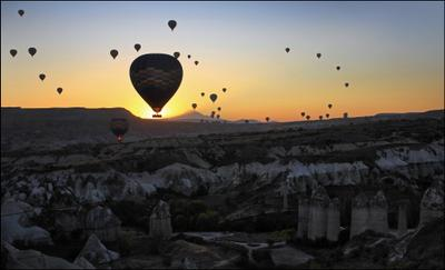 Каппадокия. Восход... Турция Каппадокия Уникальные природные образования Туф Базальт Воздушные шары на рассвете