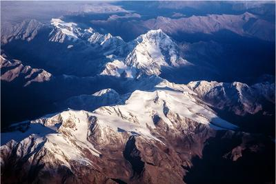Looking down from the sky Альпы горы полет снег вершина Италия