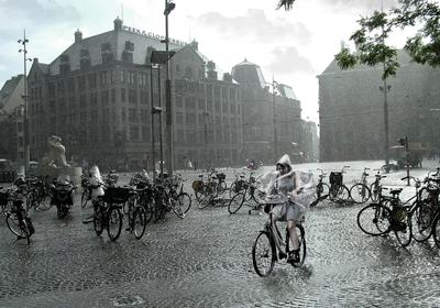 Фрау дождя.  ( Амстердам)