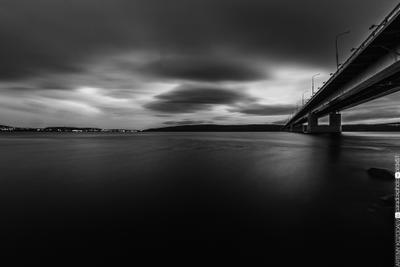 Мост через Кольский залив Мурманск пейзаж город чб фишай самьянг кэнон вода выдержка облака залив Россия