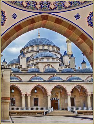 «Сердце Чечни» [3] Чечня Грозный мечеть двор