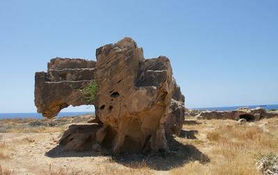 Монстр пустыни Кипр Пафос развалины Царские гробницы