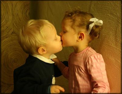 ...так нежно... дети поцелуй