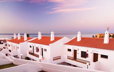 1001-й закат на Тенерифе океан закат белые дома с черепичными крышами
