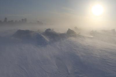 Волжская апокалиптическая Метель поземка зима Самара солнце лед торосы река