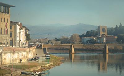 вид со Старого моста (Флоренция)
