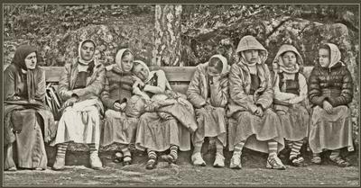Между прошлым и будущим... дети сироты девочки монахини церковь лето