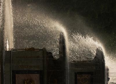 брызги брызги фонтан