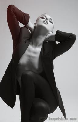 * nude fashion