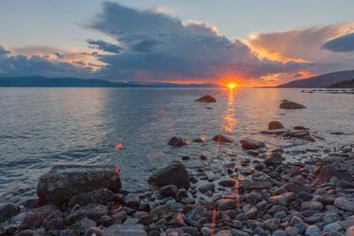 Закат на Умбе умбозеро озеро кольский полуостров камни берег закат хибины