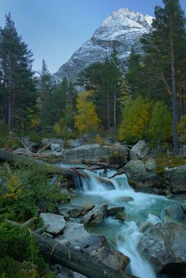 Осенний рассвет горы Кавказ утро Чиринкол