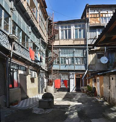 Тбилиский двор Тбилиси двор