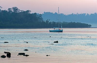 Предрассветная тишина. Рассвет Лодка