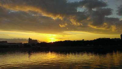 Рассвет на Москве-реке рассвет река набережная солнце вода Москва утро