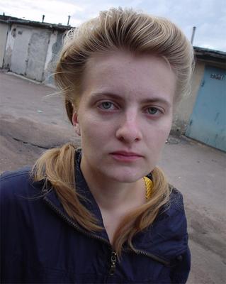 Сола (из серии Дети улиц) девушка жена улица гаражи