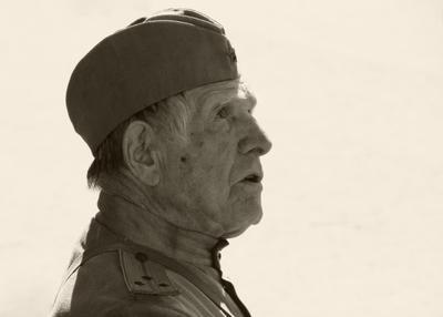 Мирное небо над головой ветеран война форма май солдат