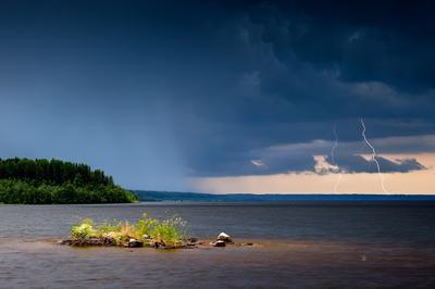 Гроза на озере молния гроза озеро