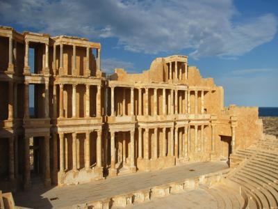 Театр III века нашей эры, древнеримский город Сабрата в Ливии, Ливия вулкан кратер горы скалы пустыня