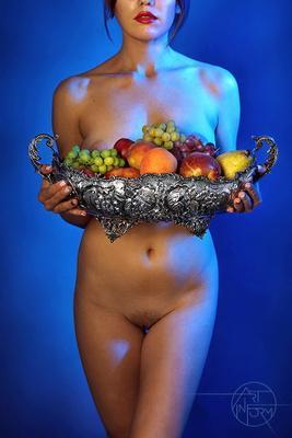 Avitaminosis Art-in-Form Nude Girl Model Silver