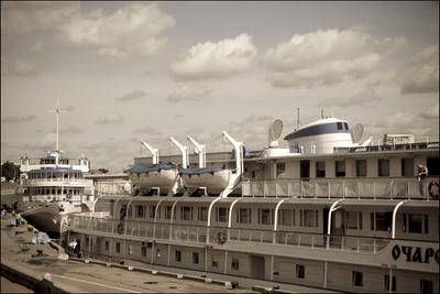 В нашу гавань заходили корабли... Очарованный странник
