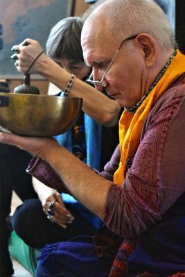 Звенящие чаши. Сергиев Посад выставка Аллан Ранну звенящие чаши