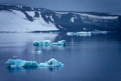 Бирюзовый лед Арктика Северный полюс