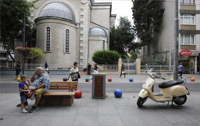 Цветные шары Кадыкёя Стамбул Кадыкёй Moda шары большой папа маленький сын