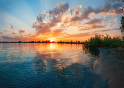 закат над озером IV озеро голубое Днепр Украина закат облака отражение песок камыши вода лучи