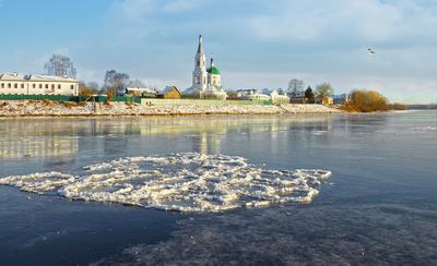 Ледостав город река ледостав зима городской пейзаж