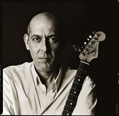 Rene Trossman promo shooting man portrait gutat musician мужчина портрет гитара музыкант