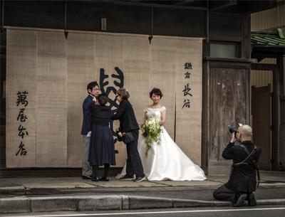 """""""Был жених серьезным очень, а невеста Ослепительно была молодой фотограф жених невеста"""