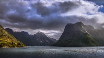 На пути от Олесунна к Урке (Норвегия) Норвегия море Олесунн Урке горы