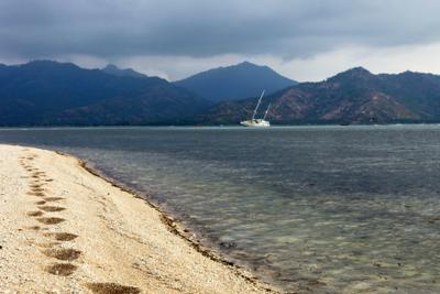 shipwreck Indonesia Gili shipwreck sea sand